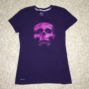 1903b3466e0 Like new small purple Nike skull Tshirt